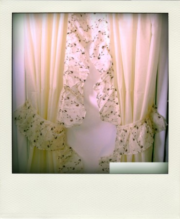 Beige_Embroidered_Brown_Ruffled_Priscilla_Curtain_with_Corner_Inset_Filled_In-pola