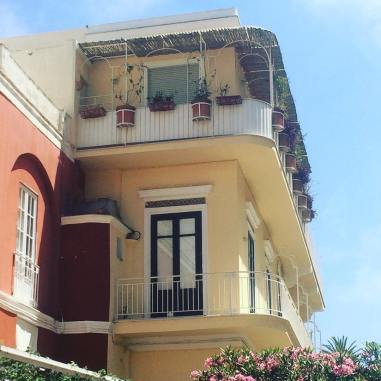 Fina hus i närheten av där vi bodde på Via Vittorio Emanuele